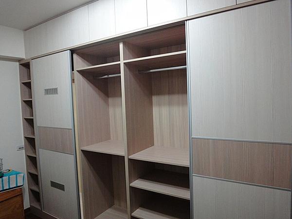 【系統家具】主臥客房衣櫃 可自搭配顏色 總價:229875 特價:160913