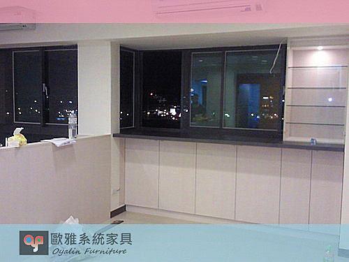 【系統家具】玻璃展示櫃
