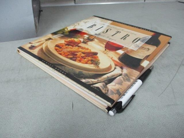【書寶二手書T5/餐飲_E9S】Casual Cuisines of the World-Bistro