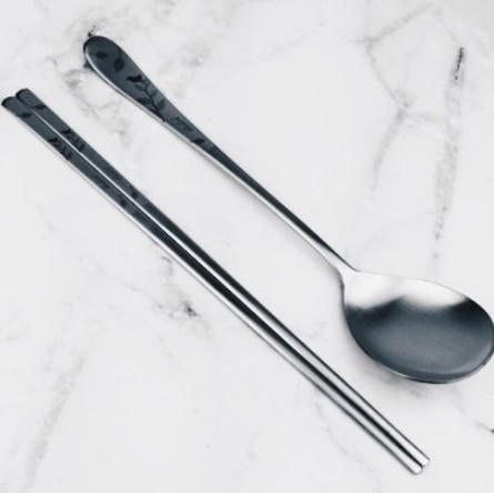 韓國 韓國進口 不鏽鋼筷 雕花不鏽鋼扁筷 湯匙 鳥語花香  (單一賣場)