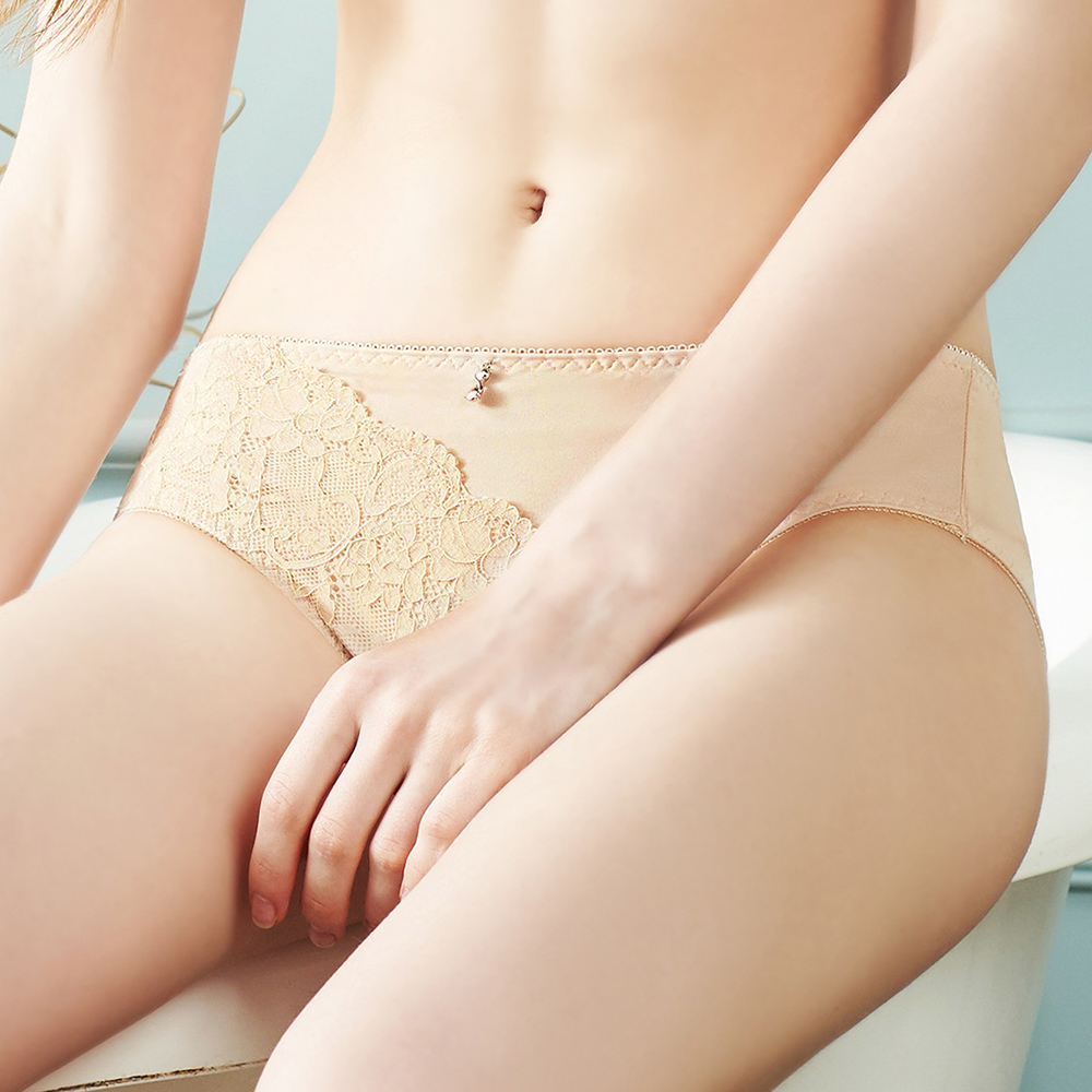 【EASY SHOP】傾城時光 中腰三角褲(奶茶膚)