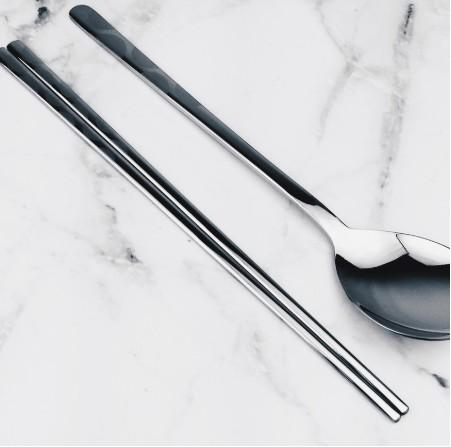 韓國 韓國進口 不鏽鋼筷 雕花不鏽鋼扁筷 普普大圓款  筷子 (單一賣場)