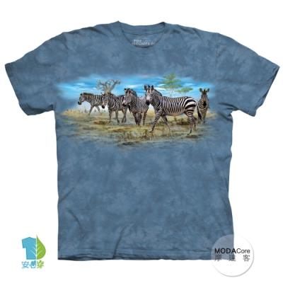 摩達客-美國進口The Mountain 斑馬群聚 純棉環保藝術中性短袖T恤(現貨)