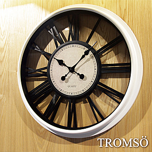 TROMSO 法式香榭 立體羅馬鏤空黑白時鐘