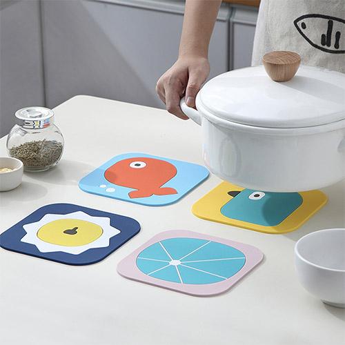 卡通PVC隔熱餐墊 (大) 桌墊 防燙鍋墊 創意家用可愛杯墊
