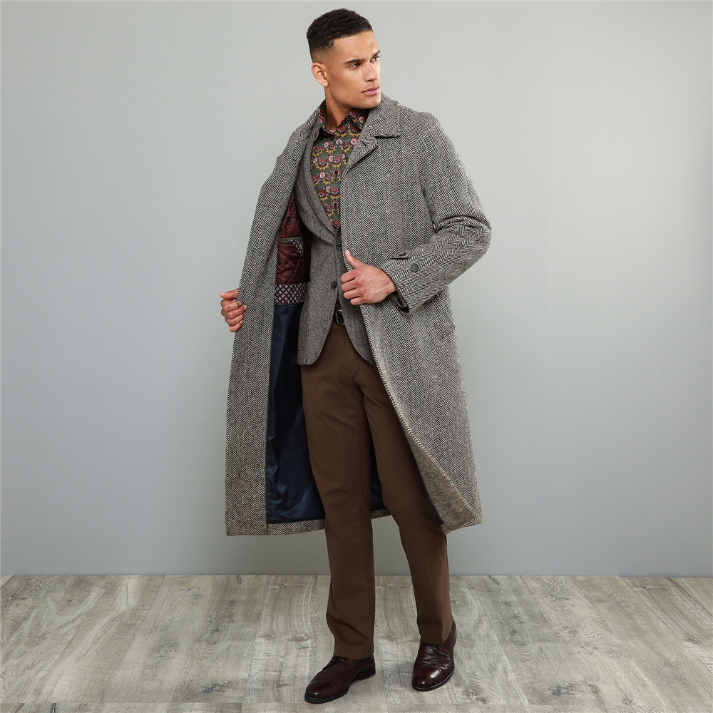 Magee 1866 Black and Pale Camel Donegal Tweed Corrib Quilted Raglan Coat