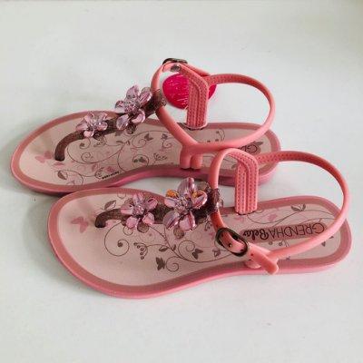 《現貨》KIDS 女童 涼鞋 Grendha 巴西尺寸31/32(金屬霓采花漾 防水夾腳涼鞋-粉色/玫瑰金色)