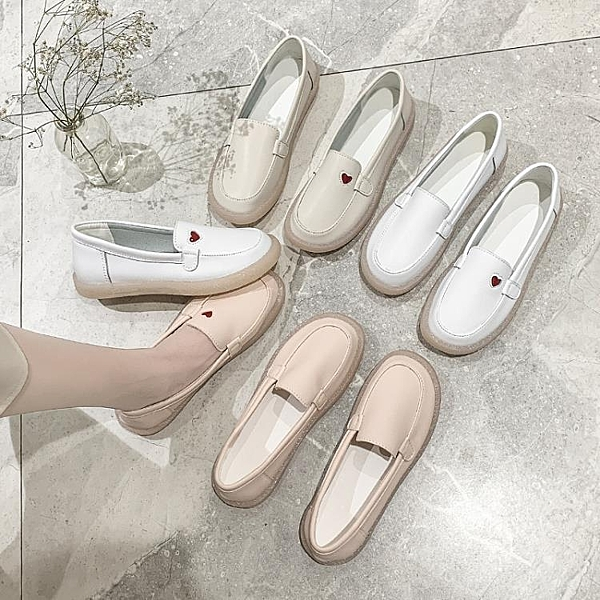 小白鞋女2021春新款軟底透氣平底豆豆鞋舒適防滑百搭不累腳護士鞋 霓裳細軟