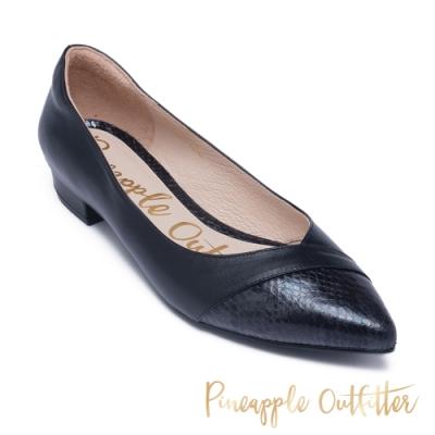 Pineapple Outfitter 氣質款真皮拼接低跟尖頭鞋 黑色