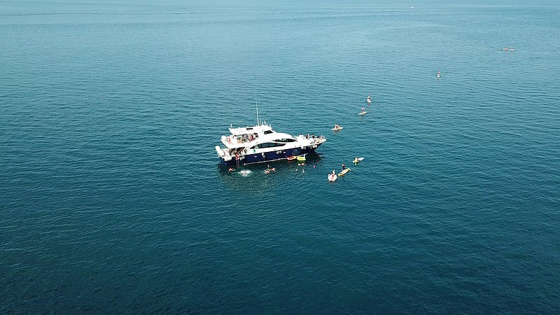 遊艇私人派對 - 附專屬大廚 BBQ・SUP 體驗・專業教練・攝影紀錄