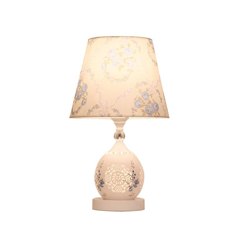歐式網紅臺燈臥室簡約現代家用創意喂奶可調光遙控浪漫裝飾床頭燈