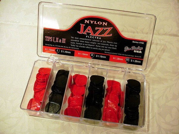 Dunlop Nylon Jazz III/ II/ I 電吉他/電貝斯/ Bass 彈片/ Pick(適合速彈/爵士吉他)【唐尼樂器】