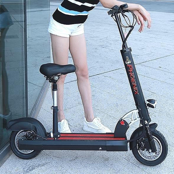 滑板車鳳凰電動滑板車成人折疊電動車迷你小型代駕兩輪代步車電瓶車鋰電 萬客居