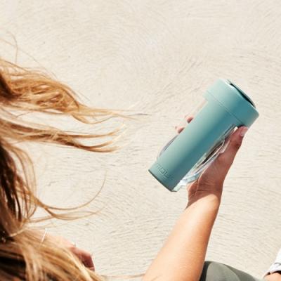 澳洲MOUS Fitness搖搖杯-莫蘭迪綠 800ml (免鋼球大口徑/健身奶昔隨行杯)