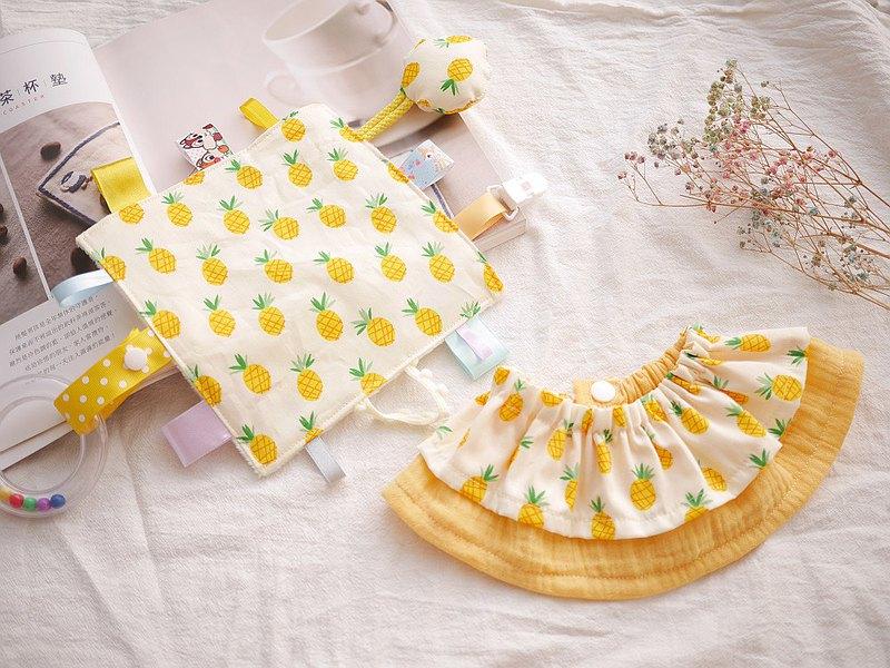 雙層荷葉圍兜+ 標籤安撫巾  彌月禮盒 黃色鳳梨款