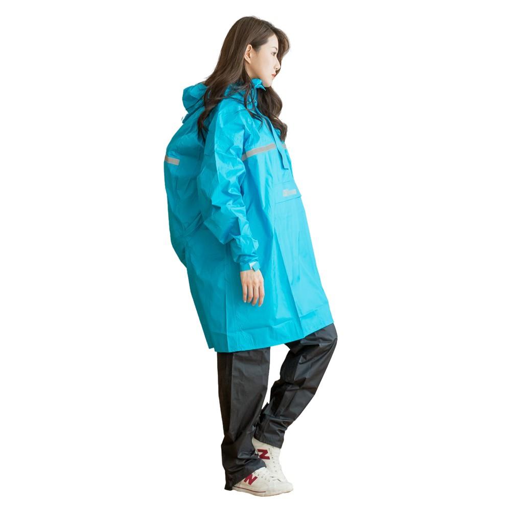 Outperform 奧德蒙 雨衣 頂峰背包款半開兩截式風雨衣 藍 上衣單一尺寸《比帽王》