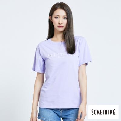 SOMETHING 平針繡LOGO 短袖T恤-女-芋紫