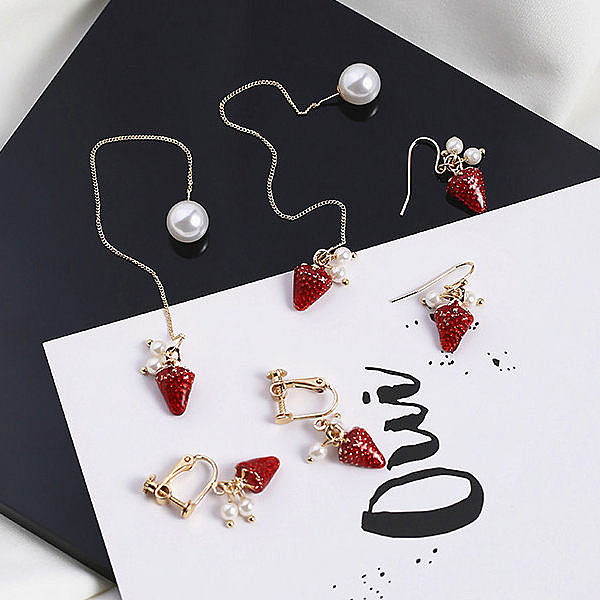 Qmishop 韓版珍珠草莓吊墬耳環 耳夾 耳飾【QG2451】