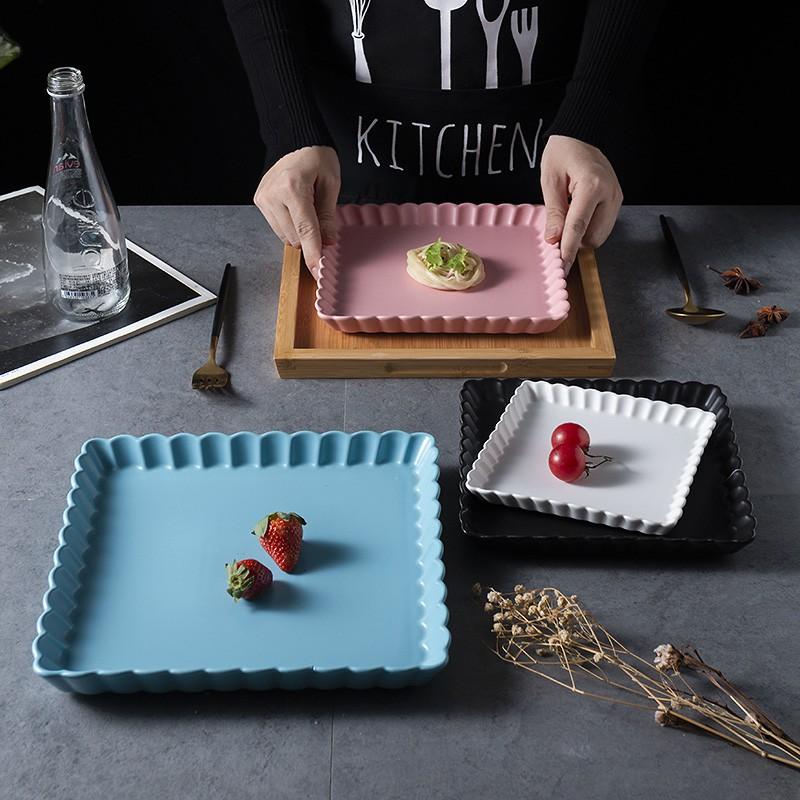 《居家優品》北歐西餐盤子ins牛排盤子牛扒餐具 家用平盤歐式菊花方盤陶瓷盤子K.L