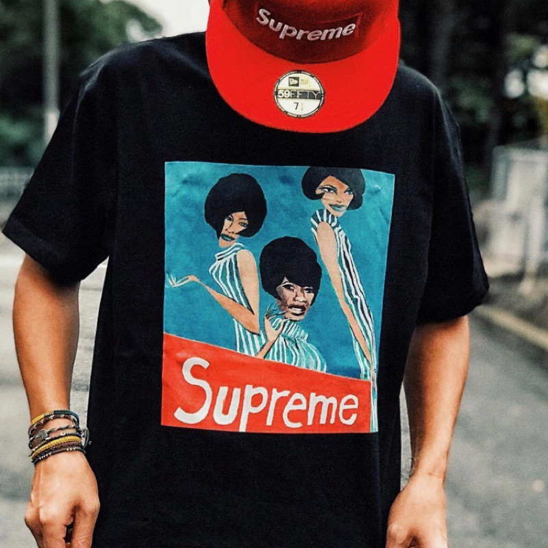 Supreme group tee 少見S號