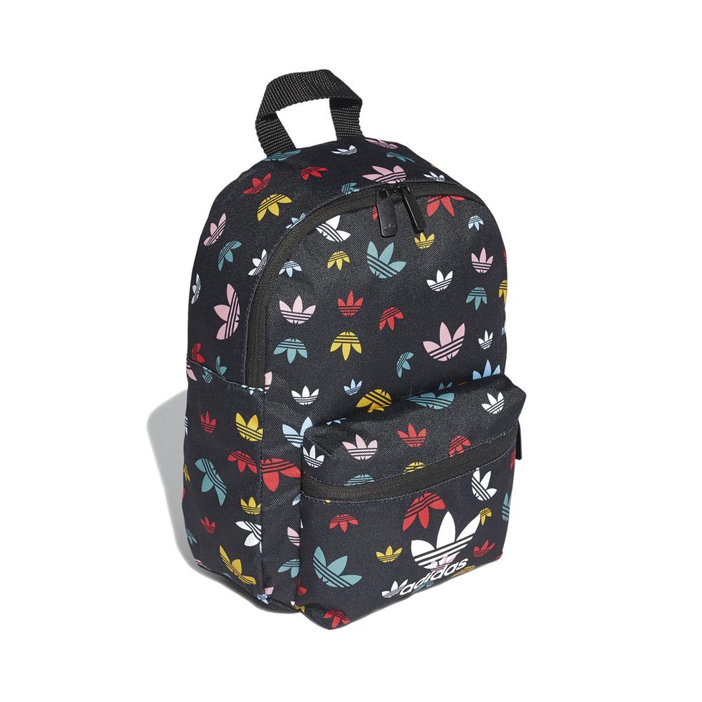 ADIDAS 後背包 Multicolor Backpack 女款 愛迪達 滿版三葉草 童包 外出 旅遊 穿搭 黑彩 [FM0281]