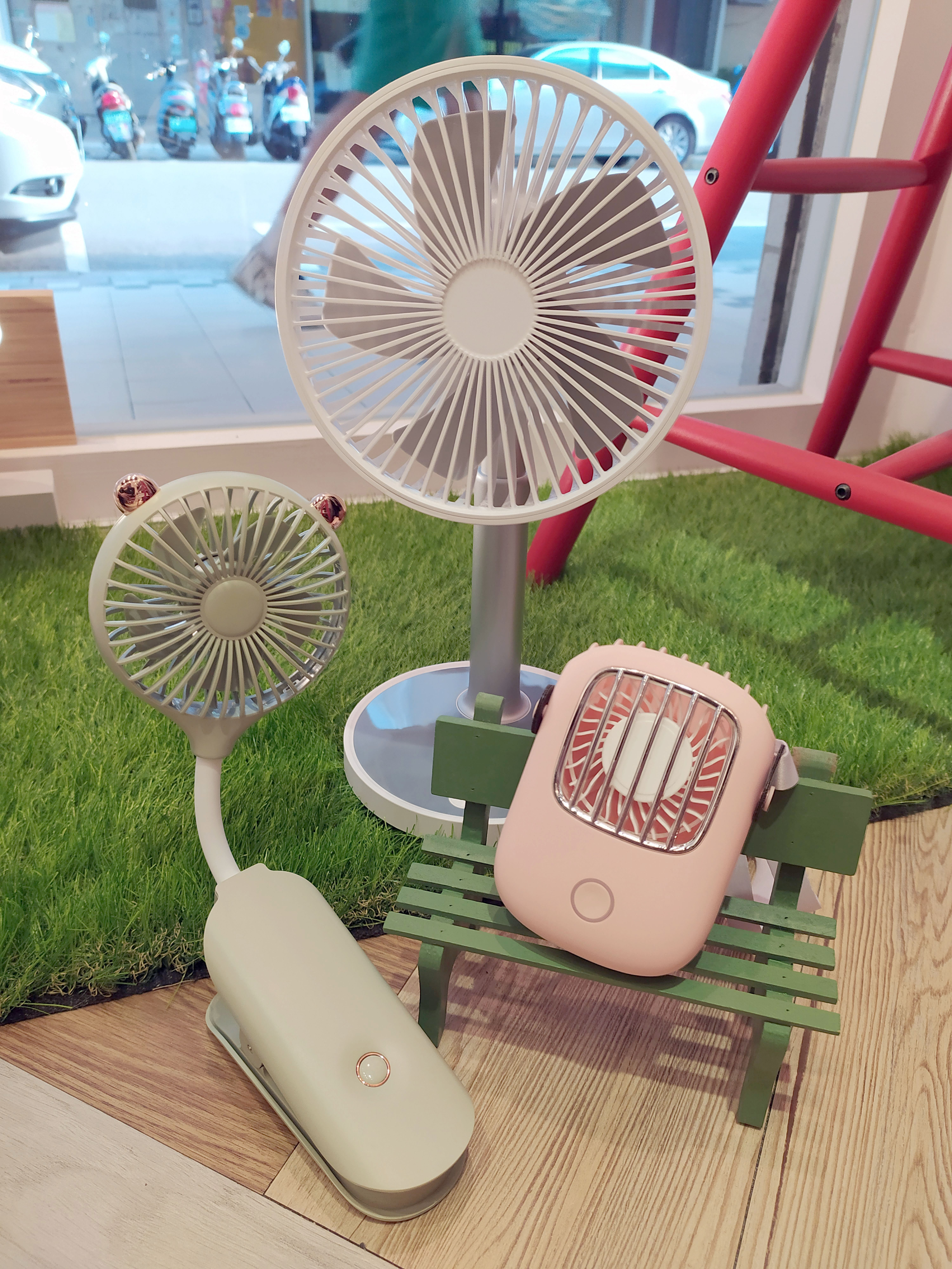 【點數5%回饋】可攜式復古造型小風扇 usb充電 粉色/綠色/白色