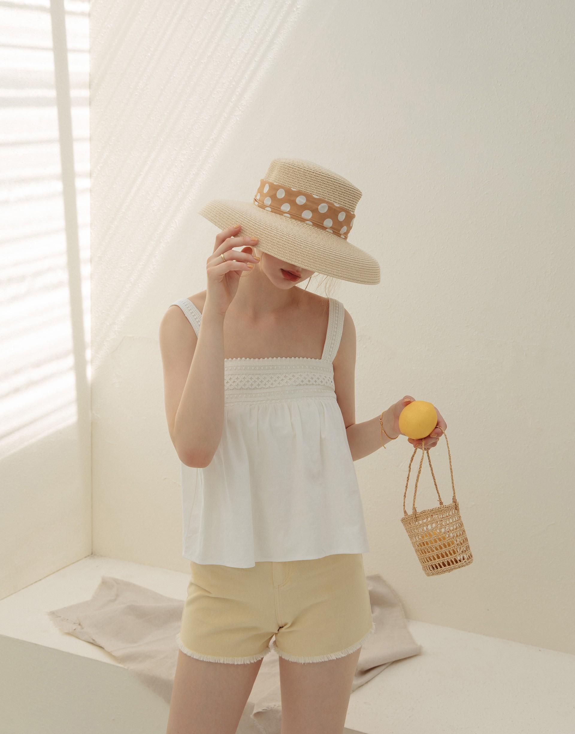 PAZZO+SUMMER方領造型無袖上衣