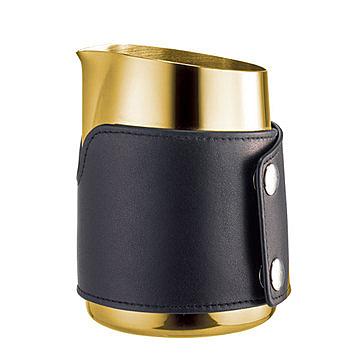 金時代書香咖啡 Tiamo 1431B 無柄斜口拉花杯 450cc 鈦金 - 尖口 (附皮套) HC7112GD