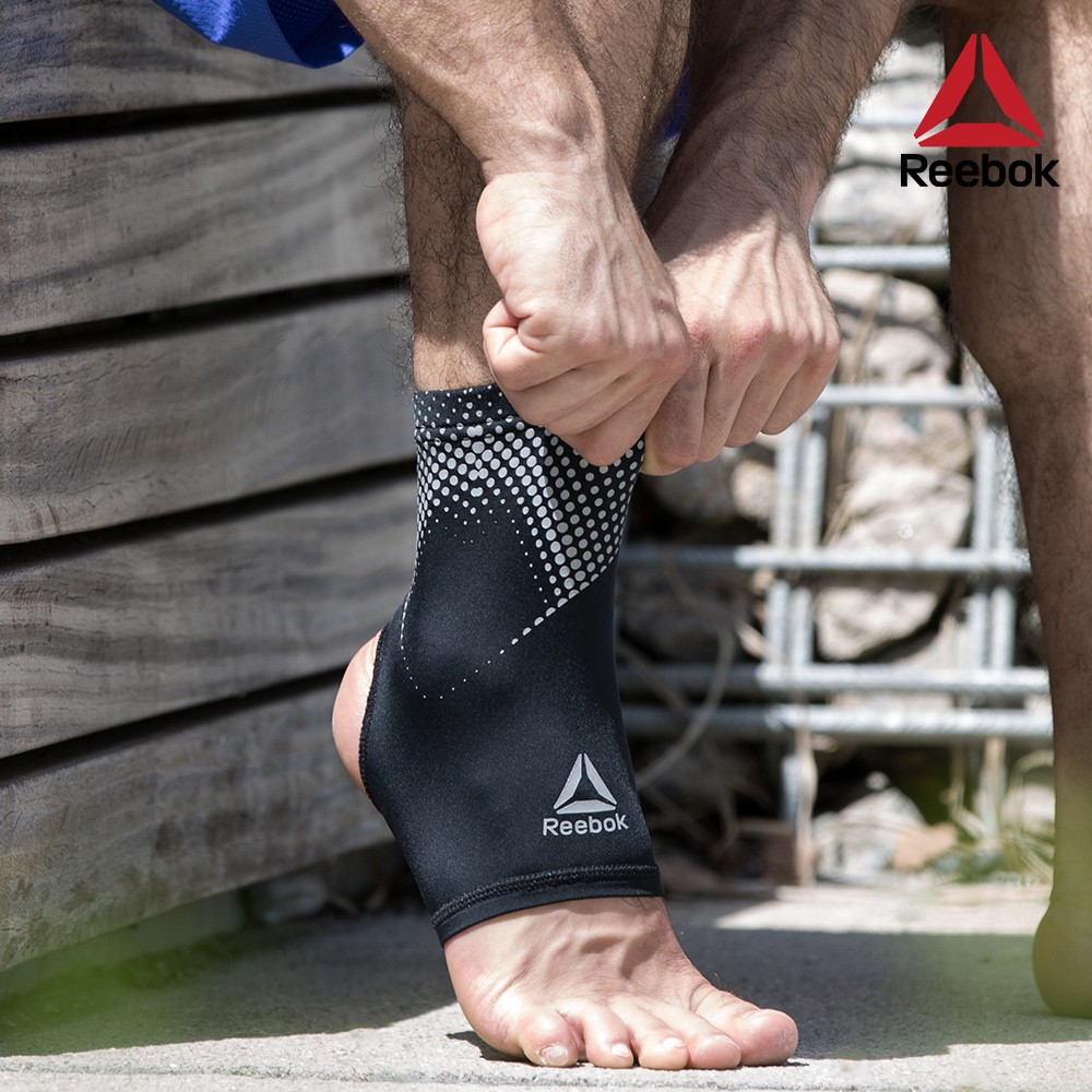 Reebok 彈性透氣運動護踝-黑 (S-L三尺寸)