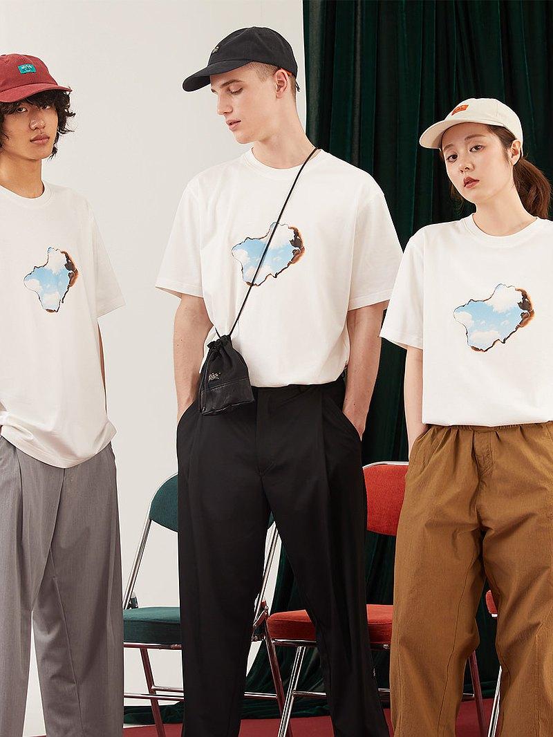 BYTEHARE巷尾藥局空燼創意印花主題純棉T恤微落肩百搭純白短袖