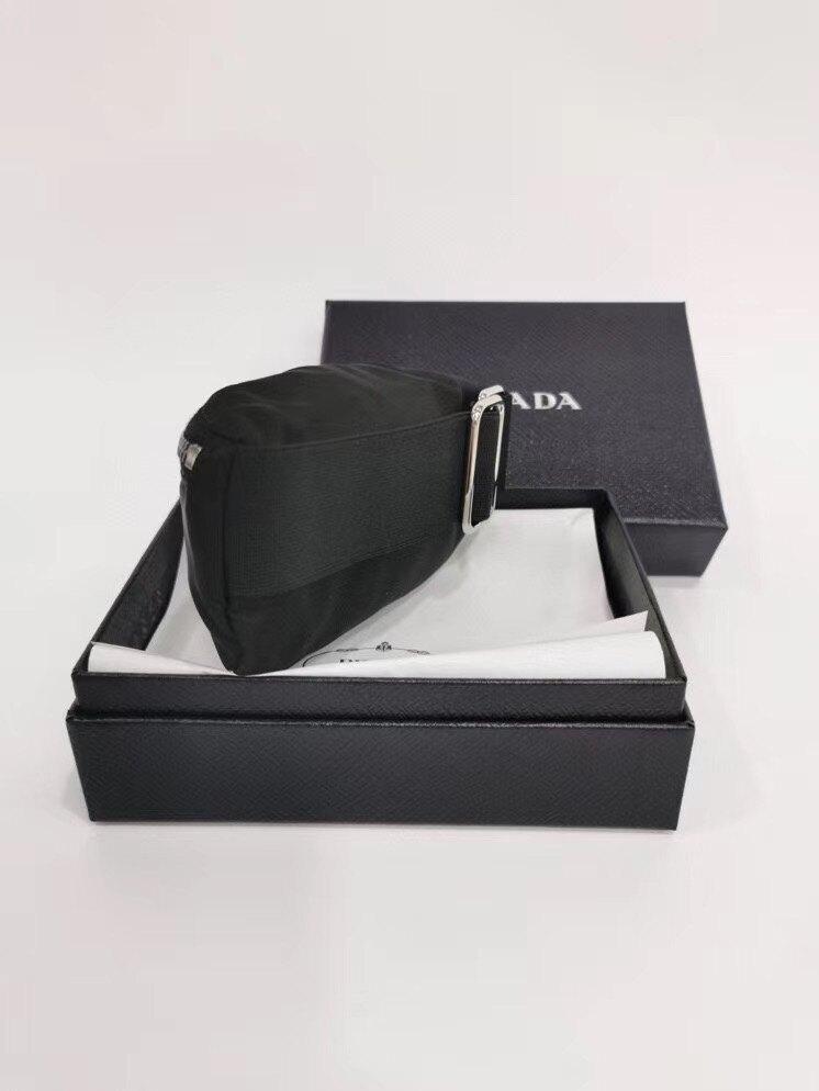 【Chiu189英歐代購】PRADA 2TT095 Gym Trick 零錢包 手帶 手臂 黑色 手腕包