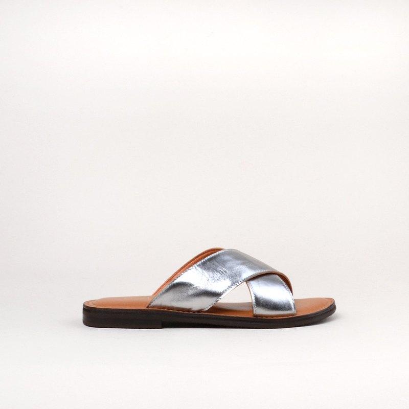 7901  銀色交叉 手工涼鞋