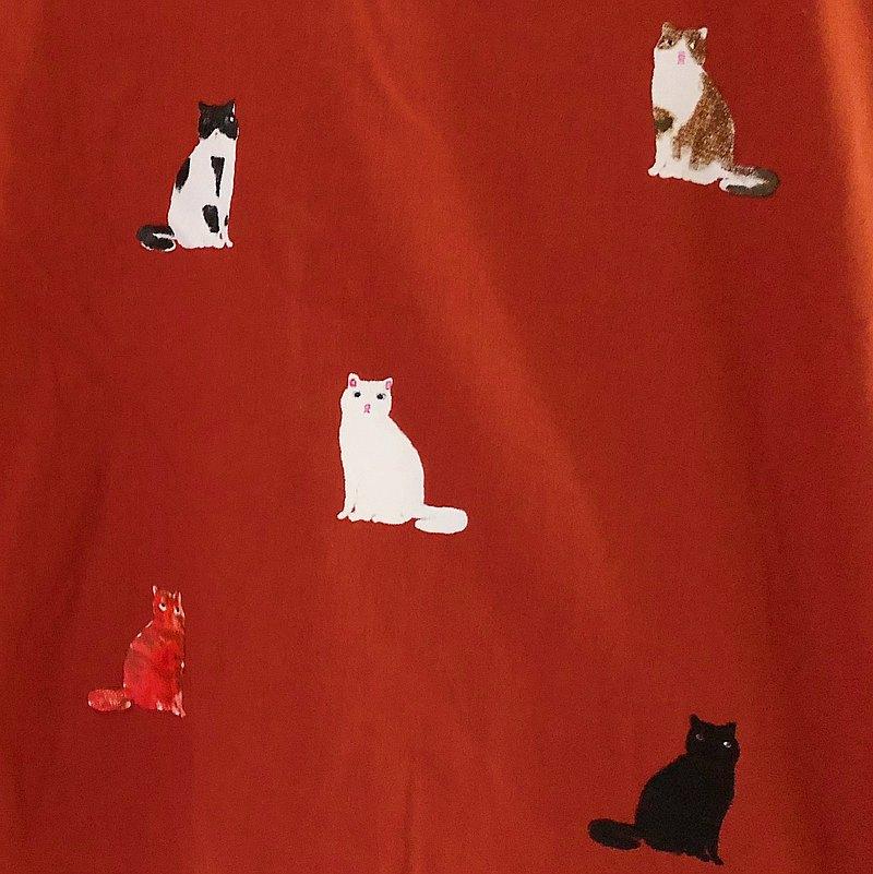 貓坐下/紅磚//棉麻上衣