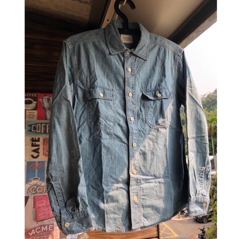 UNIQLO淺藍色工作口袋chambray襯衫