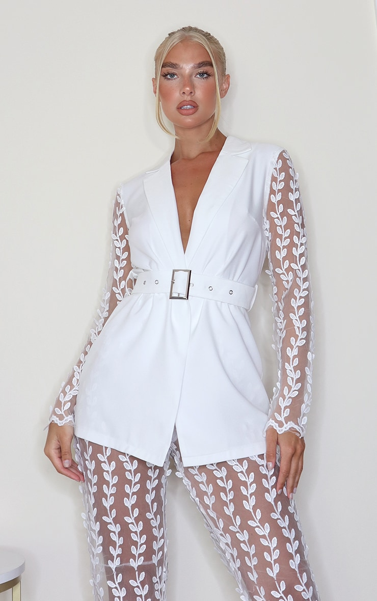 White Woven Lace Sleeve Belt Blazer