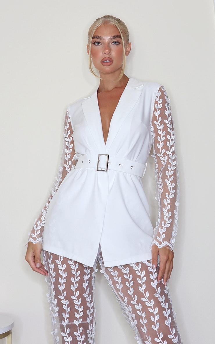 White Woven Lace Sleeve Belt Blazer