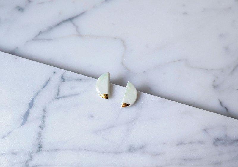 22k金手工瓷耳環-固體半月形耳環