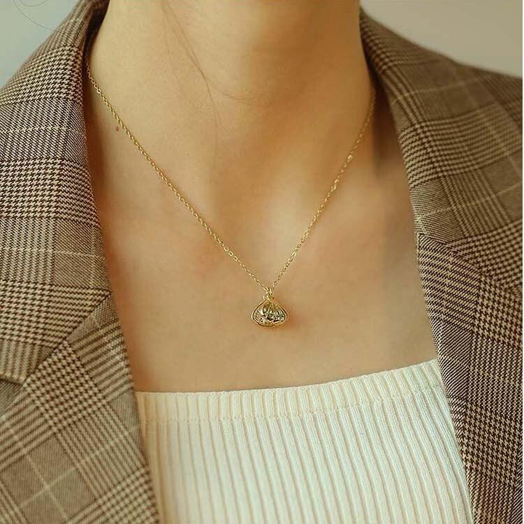 【5折超值價】時尚精美珍珠貝造型女款鈦鋼項鍊