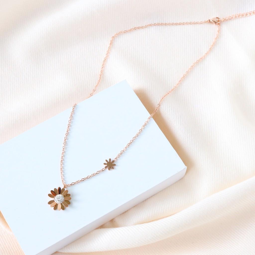 【KELRA】水鑽花朵防水防過敏鈦鋼項鏈