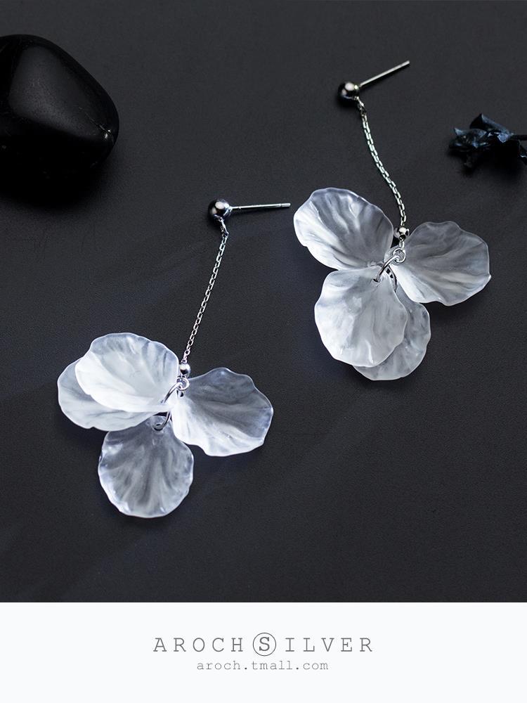 s925銀花瓣耳環女韓版小清新白色花朵甜美耳墜耳飾品♠極有家♠