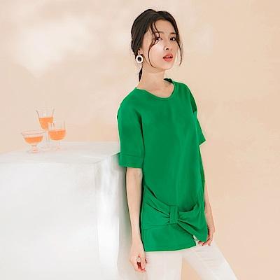 台灣製造。高含棉素色圓領不對稱蝴蝶結短袖上衣-OB嚴選