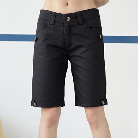 短褲--夏日活潑休閒素面木釦休閒五分短褲(黑.綠M-6L)-R30眼圈熊中大尺碼