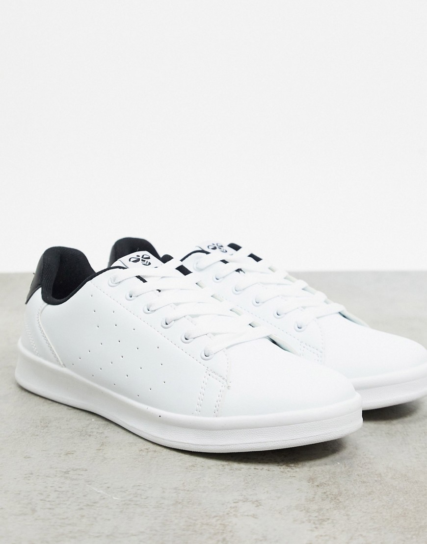 Hummel Hive Busan trainerS in white with black heel