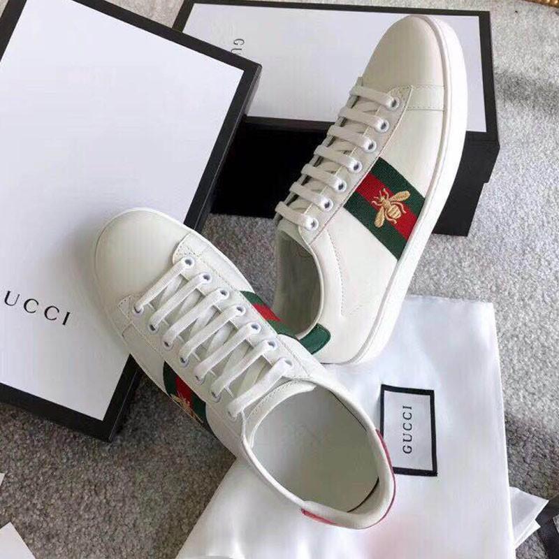 代購Gucci小蜜蜂白鞋楊幂同款 gucci 鞋 運動鞋 愛心男女鞋 慢跑鞋 古馳蜜蜂小白鞋一脚蹬藝員同款紅綠尾