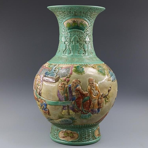清乾隆浮雕刻粉彩人物魚尾瓶手繪仿古老貨瓷器家居擺件古董古玩1入