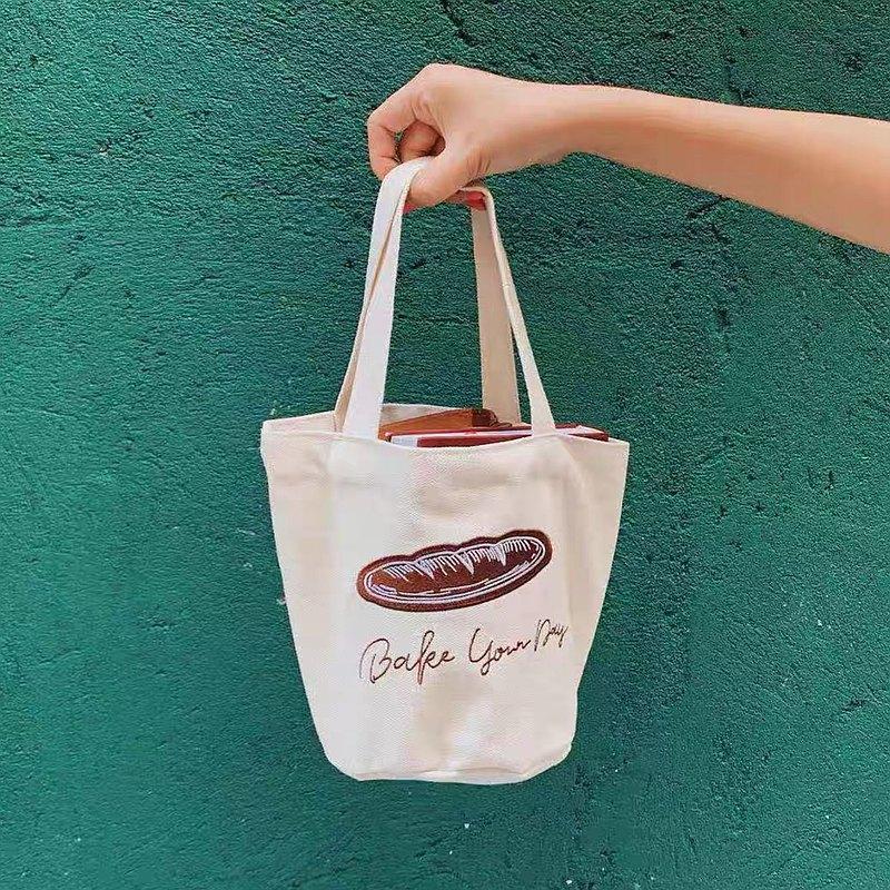【平方Studio】法棍面包Canvas Bag刺繡迷你帆布百搭手拎小桶包