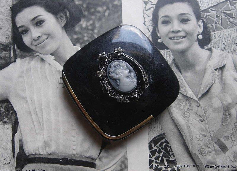 【老時光 OLD-TIME】早期日本製粉餅隨身鏡盒