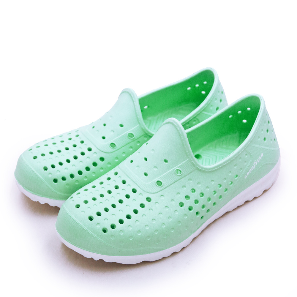 【女】GOODYEAR固特異  排水透氣輕便水陸多功能休閒洞洞鞋 粉嫩綠 92705