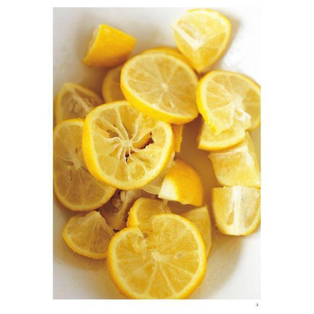 免疫力UP!「鹽漬檸檬」萬能調味料活用食譜強勢回歸:加速新陳代謝╳抑制血糖上升╳排毒美肌等15大功效80道好菜打造不易生病的體質(暢銷新版)