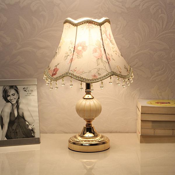 桌燈歐式臥室裝飾婚房溫馨個性檯燈創意現代可調光LED節能床頭燈